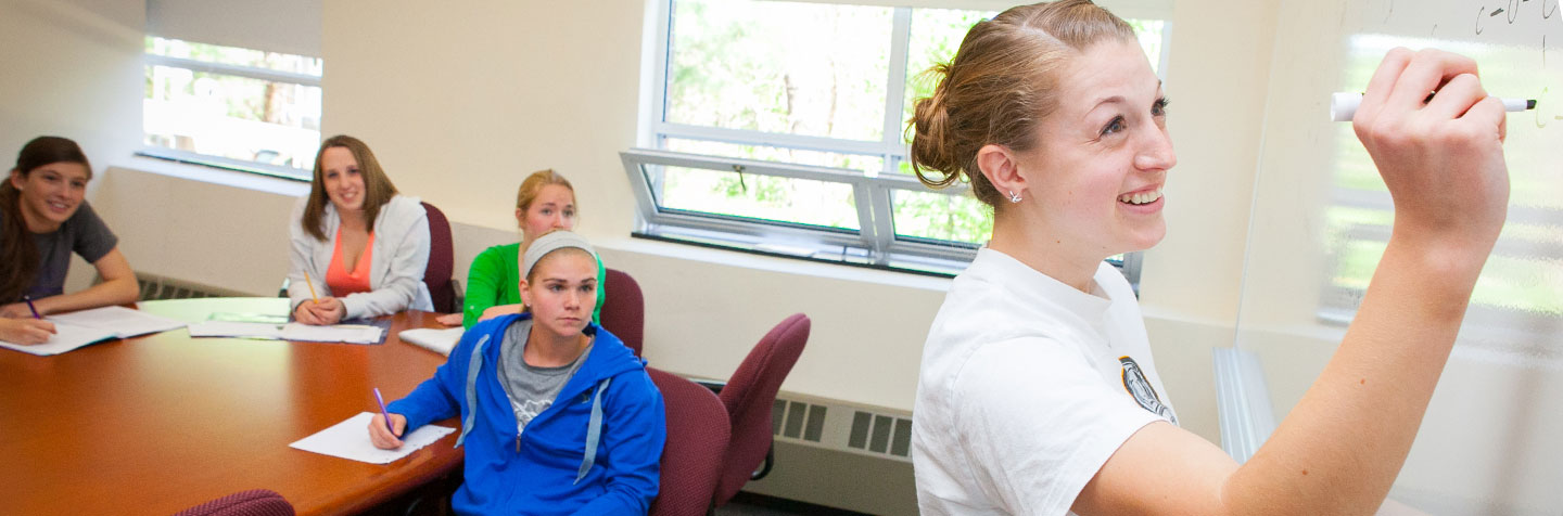 Curry College Peer Tutors gather as student Academic Resources